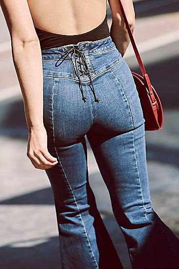 ec031f798c907 CRVY Super High-Rise Lace-Up Flare Jeans