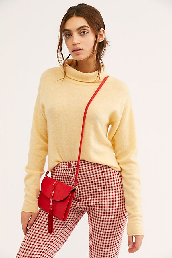 幻灯片视图 2: Cozy Cashmere Turtleneck Sweater