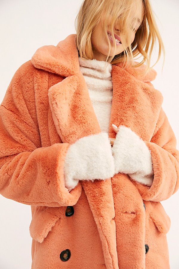 Slide View 4: Solid Kate Faux Fur Coat