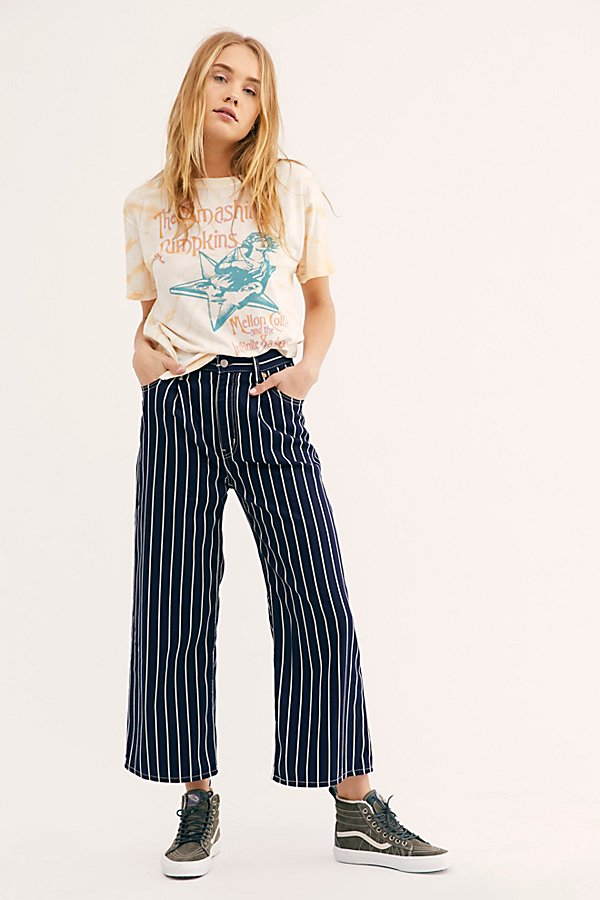 Slide View 1: Levi's Ribcage Pleated Crop Jeans