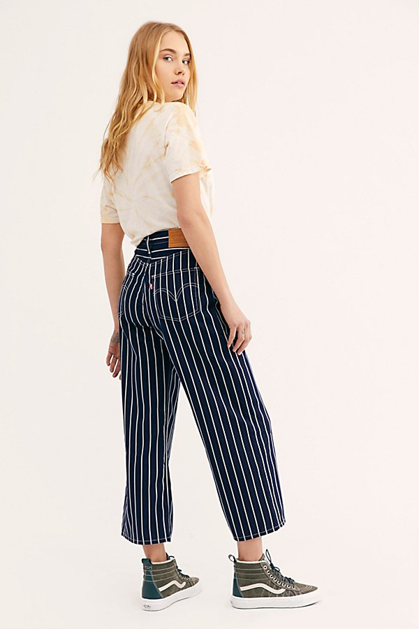 Slide View 2: Levi's Ribcage Pleated Crop Jeans