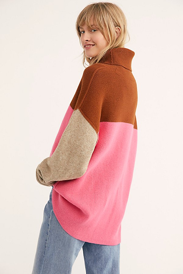 Slide View 2: Softly Structured Color-Blocked Tunic