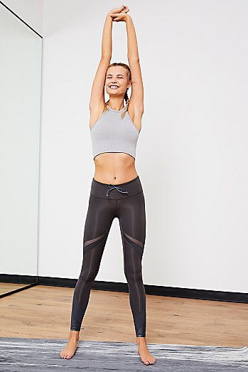 Mid-Rise Ankle Length Tap Back Legging