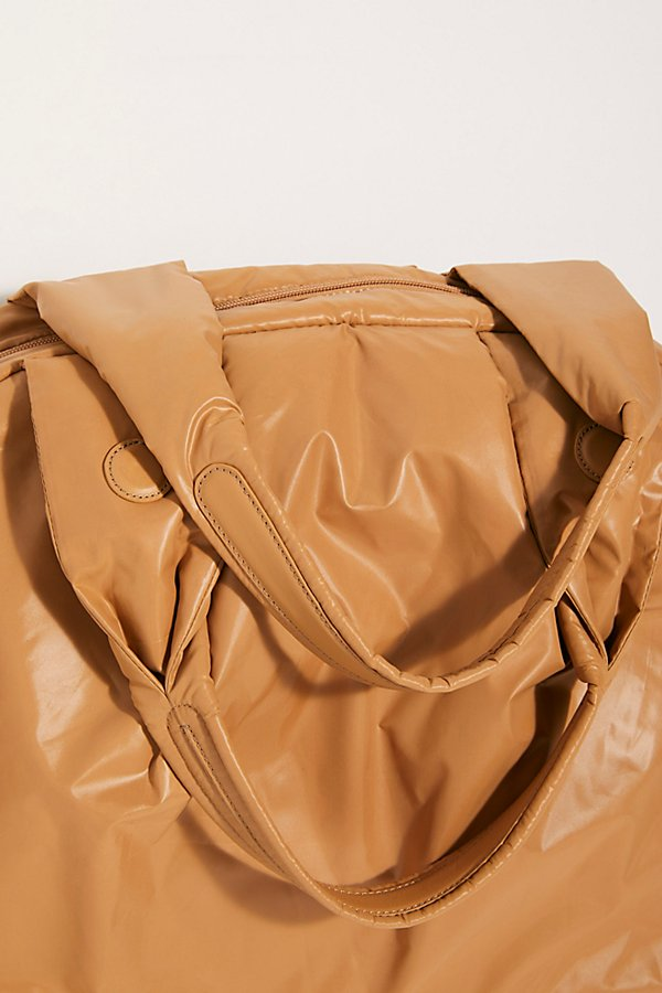 Slide View 5: Caraa Nimbus Duffle Bag