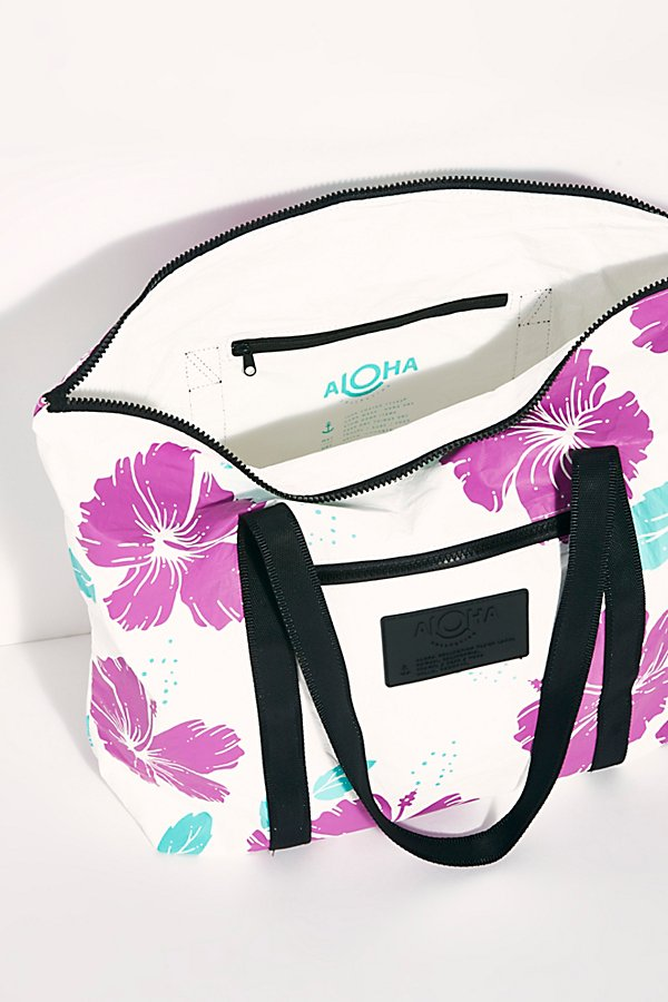 Slide View 6: Aloha Printed Tote