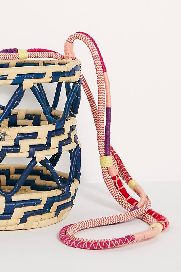 Slide View 4: Nannacay Laelia Mixed Straw Bucket Bag