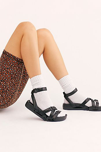 40a67117df4b Figs Movement Sneaker Sandal