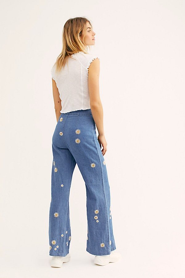 Slide View 3: Daisy Jeans