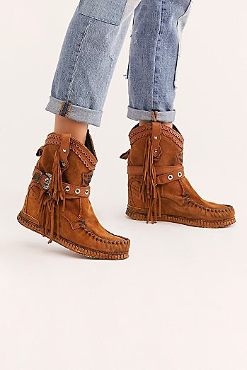 cd99824e4fa1 Fashionable Boots for Women