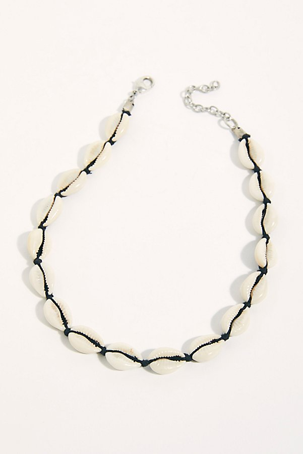 Slide View 2: Waikiki Waves Shell Necklace