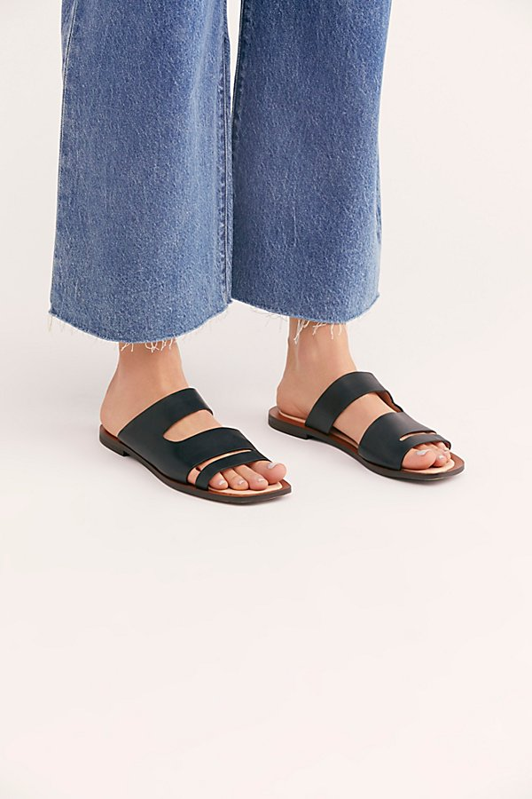 Slide View 2: Solaris Slide Sandal