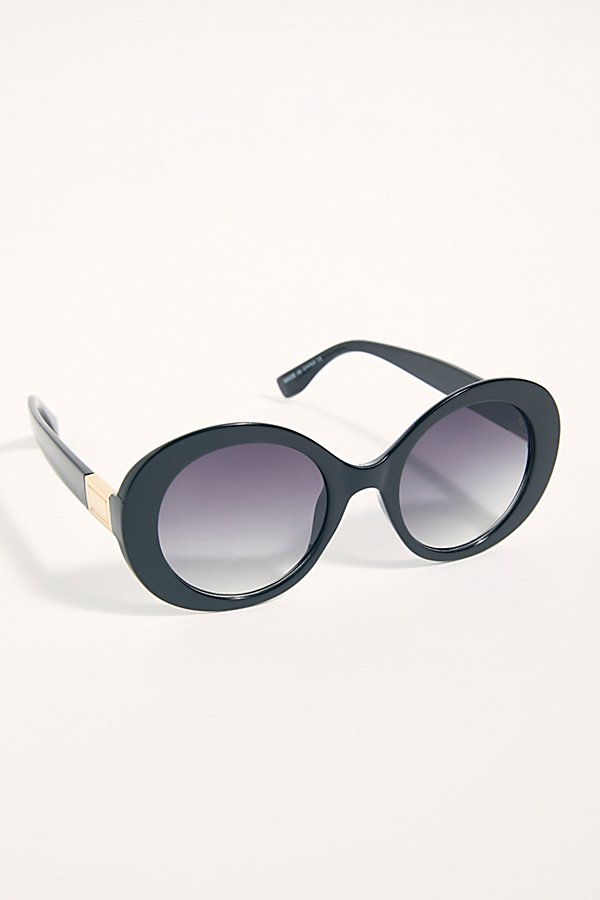 Slide View 2: Wonderland Round Sunglasses