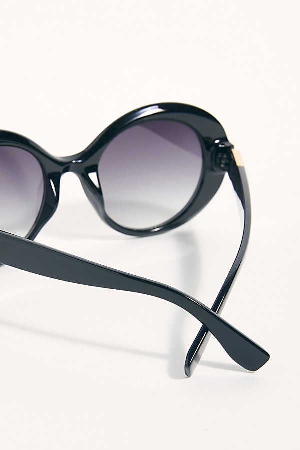 Slide View 4: Wonderland Round Sunglasses