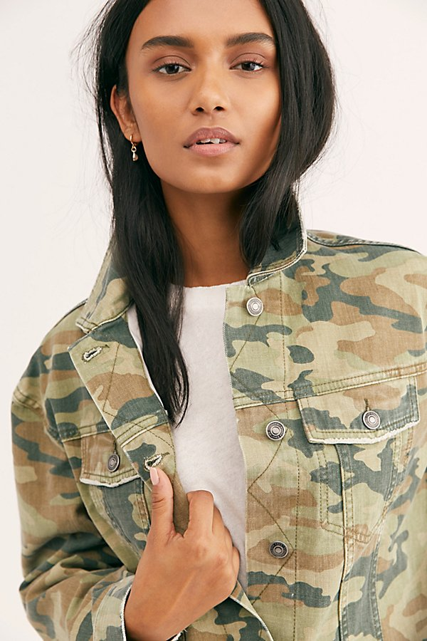 Slide View 4: Camo Printed Cropped Denim Jacket