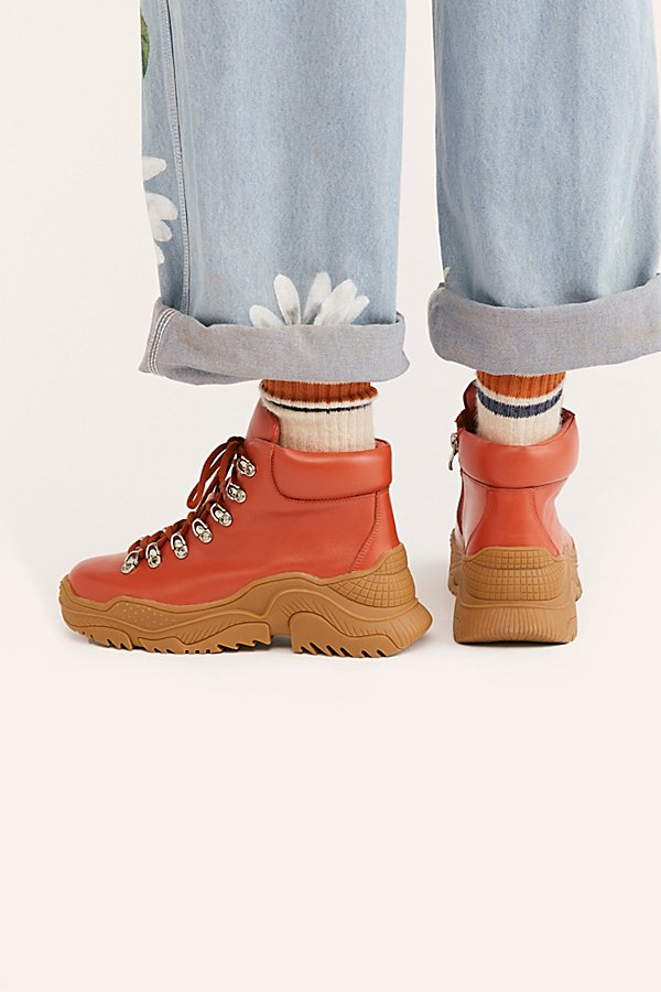 Slide View 4: Bowery Hiker Boot