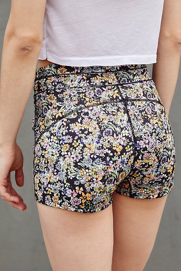 Slide View 3: Eden Printed Shorts