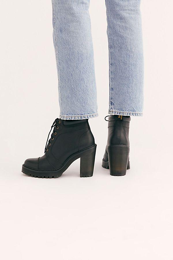Dr. Martens Averil Heel Boots