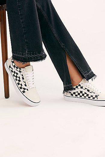 UA Old Skool Checkered Sneaker