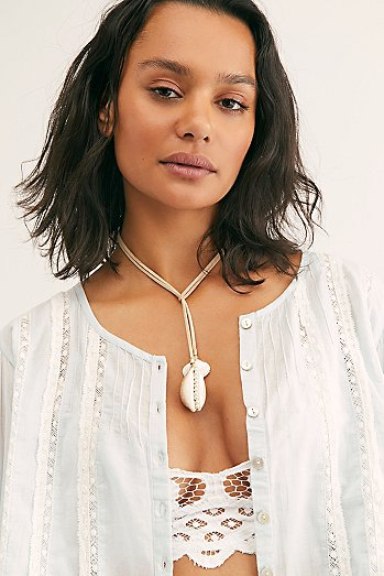 Shell Leather Wrap Necklace