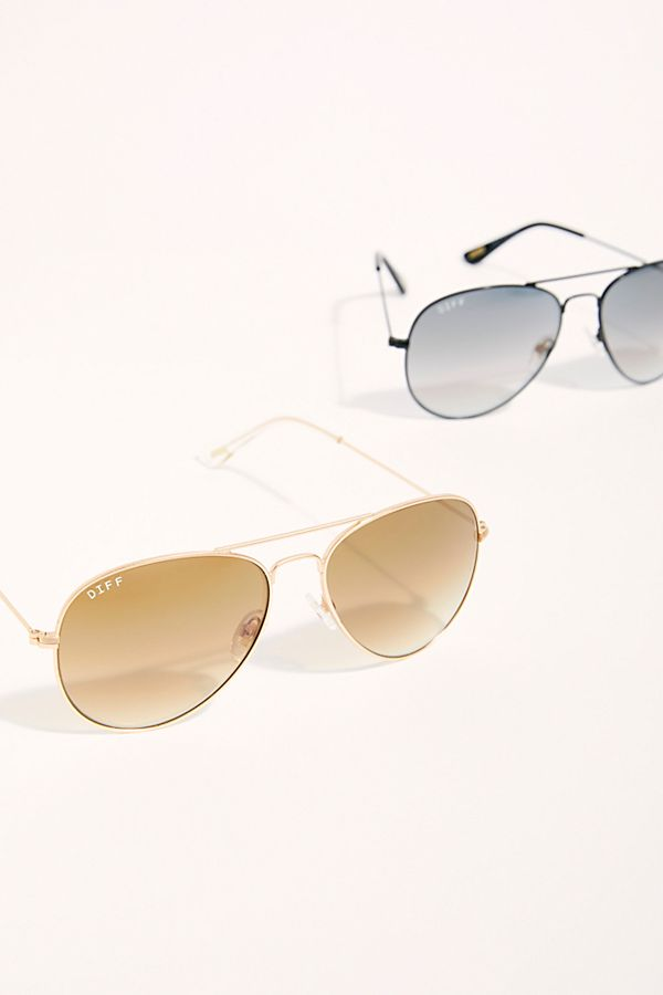 ae8d1ceef7088 Slide View 1  Cruz Aviator Sunglasses