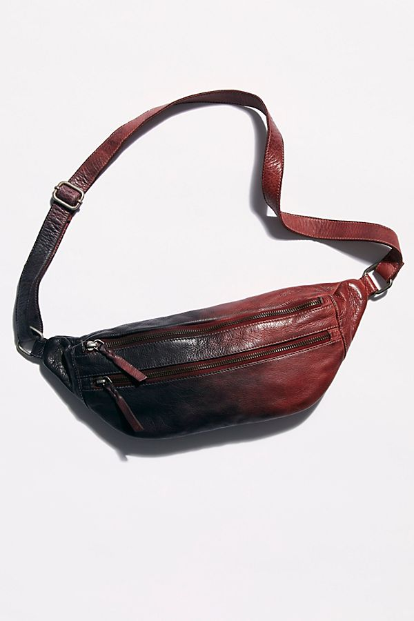 Slide View 2: Chelsea Oversized Leather Sling