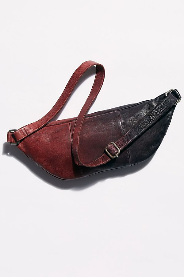 Slide View 3: Chelsea Oversized Leather Sling