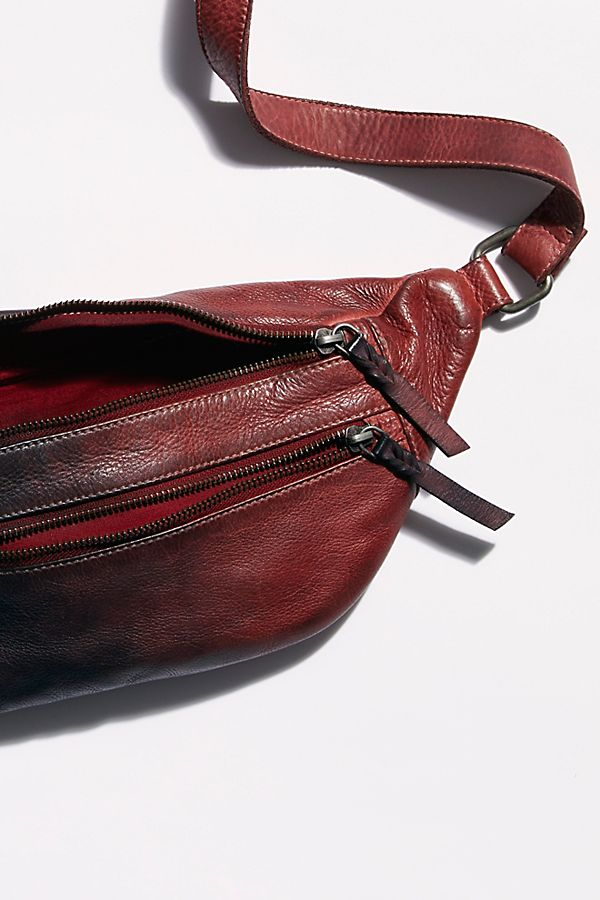 Slide View 4: Chelsea Oversized Leather Sling
