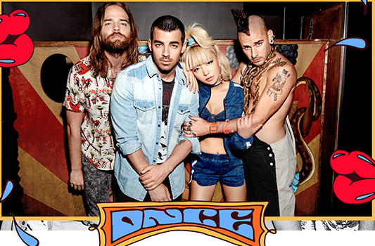 DNCE Kissing Stangers