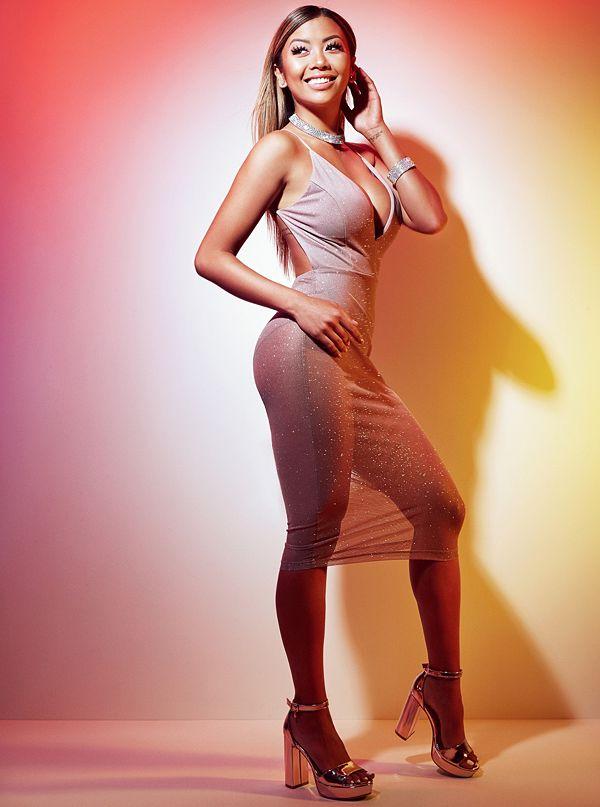 liane v nude pics