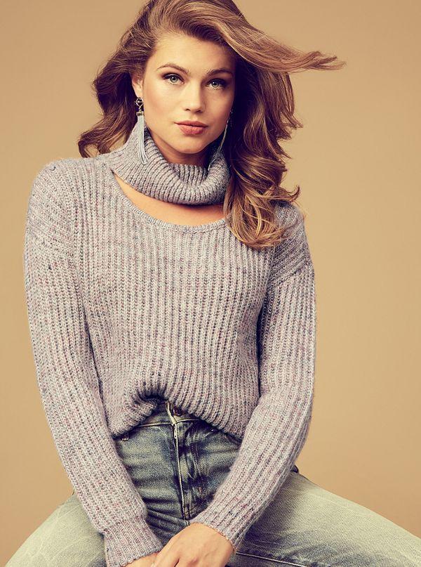 2e46d5bd786a8 W84R38R27T0 · Sale · Cutout Turtleneck Lash Sweater