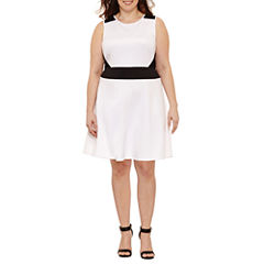 Boutique + Sleeveless Fit and Flare Dress-Plus