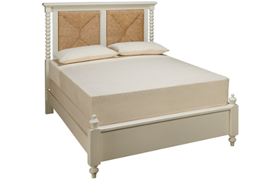 Vaughan-Bassett Scotsman Queen Seagrass Panel Bed