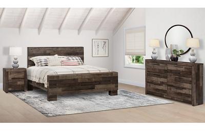 Derekson 3 Piece King Bedroom Set Includes: King