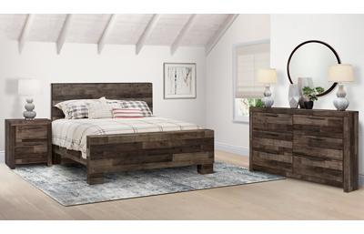 Derekson 3 Piece Queen Bedroom Set Includes: Queen