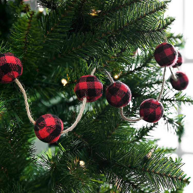 Buffalo Check Christmas Tree Decor.Red And Black Buffalo Check Christmas Garland