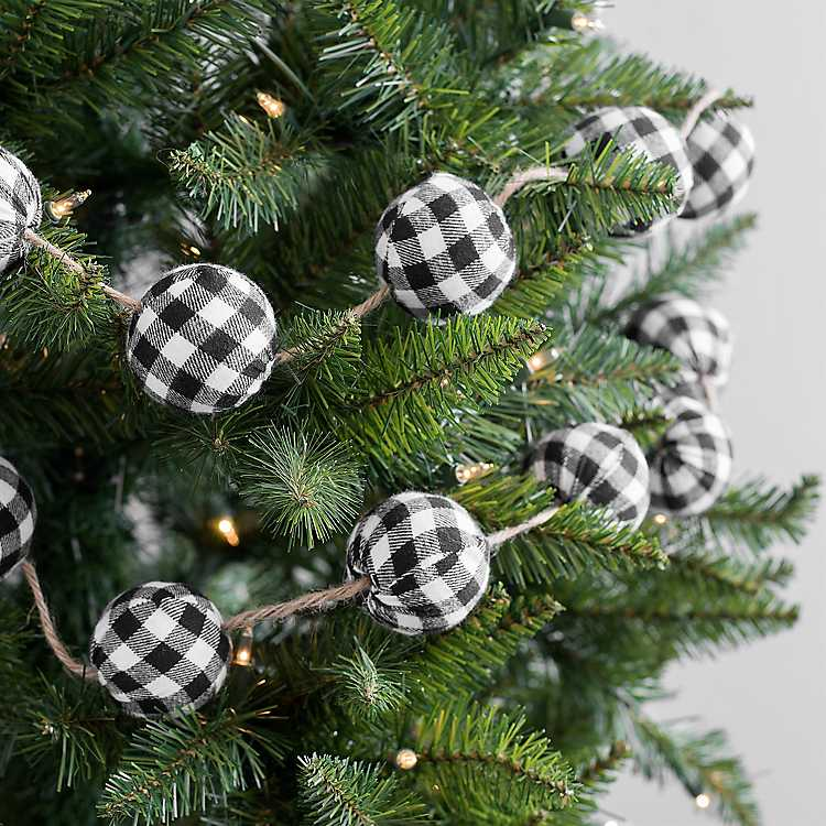 Buffalo Check Christmas Wreath.Black Buffalo Check Christmas Garland