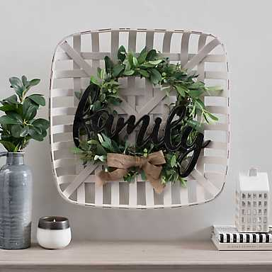 Family Tobacco Basket Plaque with Greenery