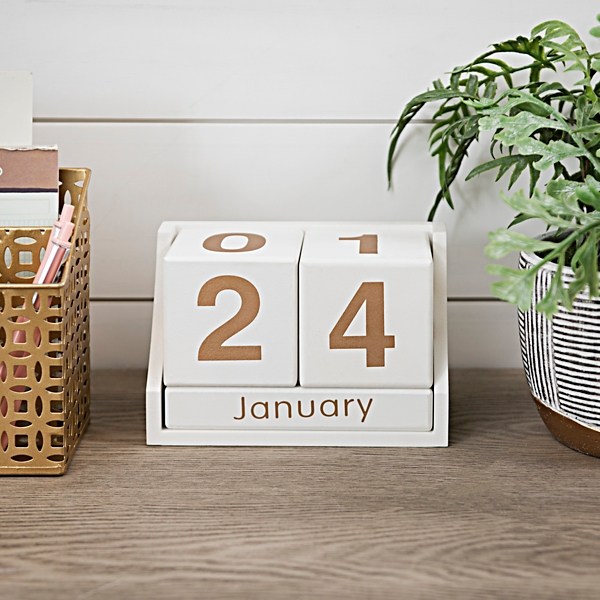 White and Gold Block Desk Calendar