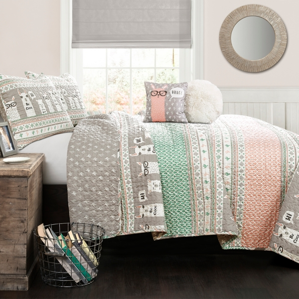 Pink and Turquoise Llama 4-Piece Twin Quilt Set