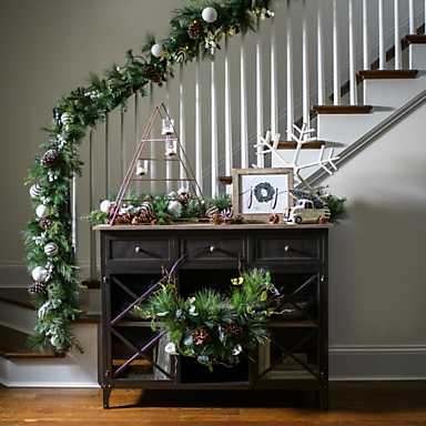 5 Holiday Decorating Tips from Our Photographers