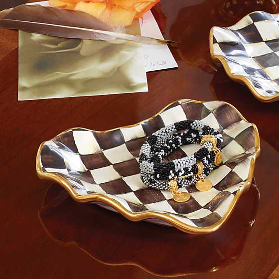Courtly Check Fluted Heart Plate image seven