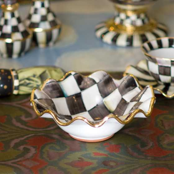 Courtly Check Fluted Breakfast Bowl image five
