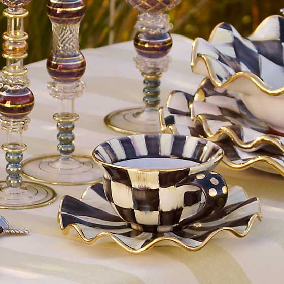 Courtly Check Teacup image two