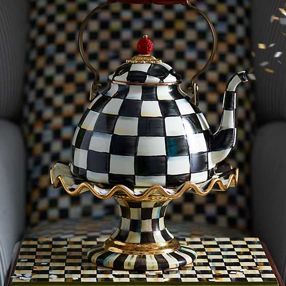 Courtly Check Fluted Cake Stand image eight