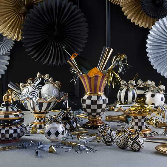 Courtly Check Fluted Cake Stand image nine