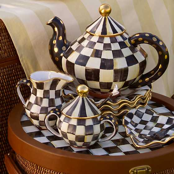Courtly Check Teapot image three