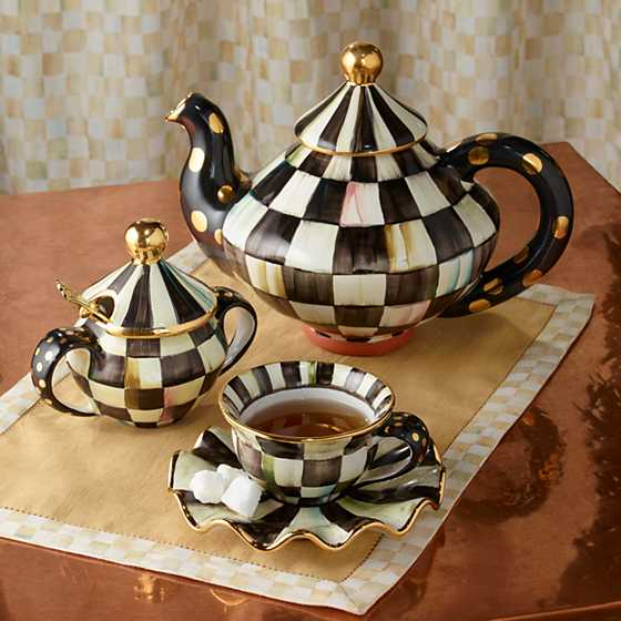 Courtly Check Teapot image four