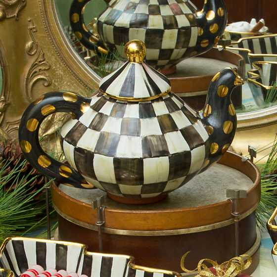 Courtly Check Teapot image five