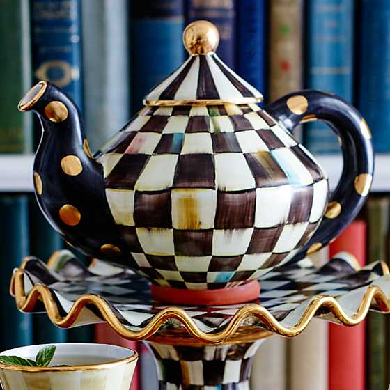 Courtly Check Teapot image eight