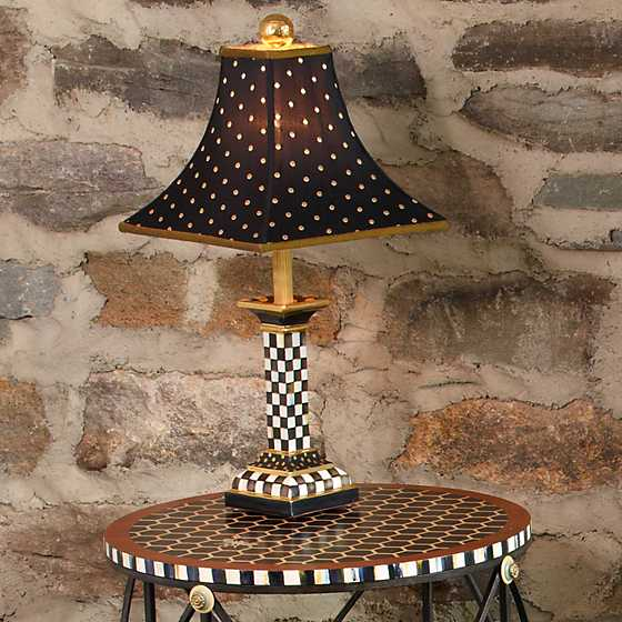 Courtly check candlestick lamp